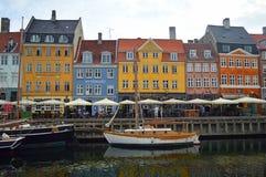 Nyhavn-Ufergegend buntes Kopenhagen lizenzfreie stockfotos