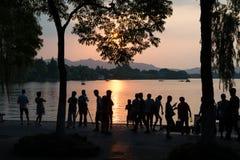 NYHETERNA ** Hangzhou bakar i 41 grader celsiust - folkliv Arkivfoto