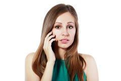 Nyheterna på mobiltelefonen royaltyfria bilder
