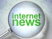 Nyheternabegrepp: Internetnyheterna med optiskt exponeringsglas royaltyfri fotografi