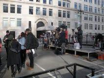 Nyhetsmedia journalister som ställer in - upp för mars för kvinna` s, NYC, NY, USA arkivfoto
