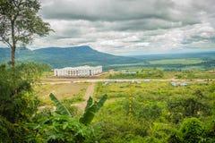 Nyligen byggnad för kasinosemesterorthotell på Chong Arn Ma, Thailändsk-Cambodja gränsövergång (som kallas en Ses i Cambodja) opp arkivbilder