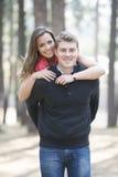 Nyligen förlovade par Royaltyfri Foto