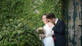 Nyligen gift par om forntida slott arkivfilmer