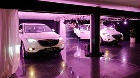 Nyligen lanserade Mazda CX-9 på skärm i Singapore Fotografering för Bildbyråer