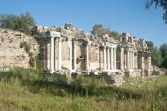 Nymphaeum springbrunn i sidan, Turkiet Arkivfoton