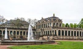 Nymphenbad喷泉和Zwinger宫殿  王宫在德累斯顿 德国的旅游胜地 库存照片