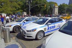 NYPD在街道,纽约上的巡逻车 免版税图库摄影
