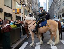 NYPD登上了当班的单位 库存照片