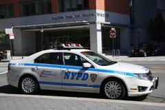 NYPD-bilen ger säkerhet nära Freedom Tower Arkivbild