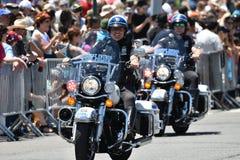 NYPD die tijdens de 34ste Jaarlijkse Meerminparade in Coney Island werken Royalty-vrije Stock Foto