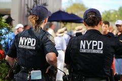 NYPD kontuaru terroryzmu oficery providing ochronę Obrazy Royalty Free