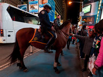 NYPD Mounted Policeman, Midtown Manhattan, New York City Stock Photos