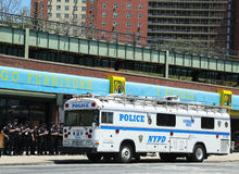 NYPD officers next to mobile command post  in Brooklyn, NY Royalty Free Stock Photography