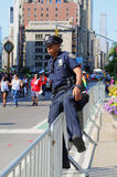 NYPD-Offizier während LGBT Pride Parade in NY Stockfoto