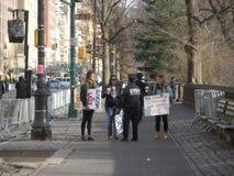 NYPD przy kobiety ` s Marzec, NYC, NY, usa Zdjęcia Stock