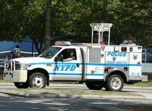 NYPD słóżba ratownicza jednostka providing ochronę blisko Krajowego tenisa centrum podczas us open 2013 Obrazy Royalty Free