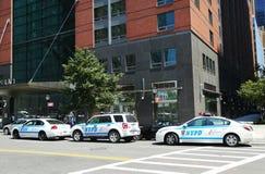 NYPD sull'alta allerta dopo la minaccia di terrore in New York Immagine Stock