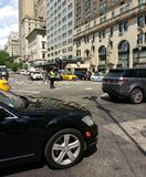 NYPD-trafiktjänsteman Among Gridlock, New York City, NYC, NY, USA Royaltyfri Foto