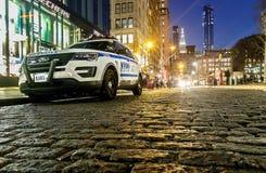 NYPD-voertuig in de avond stock foto's