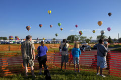 Nytt - ärmlös tröjaballongflygandefestival i Whitehouse Station Fotografering för Bildbyråer