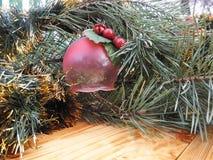 nytt år ekologiskt trä för julgarneringar Tappning _ Arkivfoto
