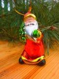 nytt år ekologiskt trä för julgarneringar Tappning _ Arkivbilder