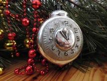 nytt år ekologiskt trä för julgarneringar Tappning _ Royaltyfria Foton