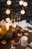 nytt år för beröm Champagne i exponeringsglas royaltyfri fotografi