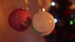 nytt år för julgarnering Suddig bokehferiebakgrund Blinkagirland Blinka för julgranljus lager videofilmer