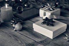 Nytt år 2019, gåvor för ` s för nytt år, bakgrund för ` s för nytt år som bränner arkivfoto