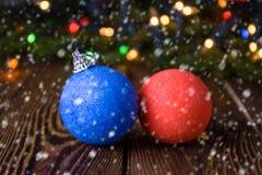 Nytt år julbakgrund med mång- färgjulpynt Royaltyfria Foton
