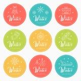 Nytt år och jul som hälsar emblem med feriesymboler vektor illustrationer