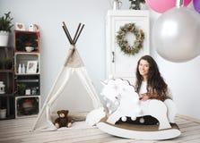 Nytt års inre av en barnkammare Royaltyfria Foton