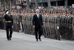 nytt b observerar den tadic tjänstemanpresidentserben Royaltyfri Foto
