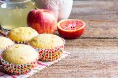 Nytt bakade muffin för breakfasr Arkivfoto