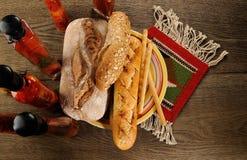 Nytt bakat bröd - materielbild Fotografering för Bildbyråer