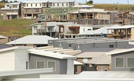 Nytt bostadsområde under konstruktion Arkivfoto