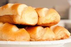 nytt bröd mjölkar arkivbilder