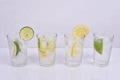 Nytt citron- och limefruktvatten Arkivfoto