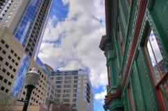 nytt gammalt för arkitektur i city vs Royaltyfria Foton