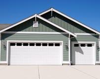 nytt garage arkivbild