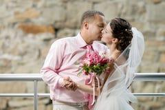 Nytt gift par royaltyfria foton
