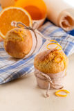 Nytt gjorda orange muffin royaltyfri bild