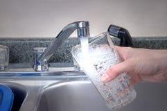 nytt glass vatten Royaltyfri Bild