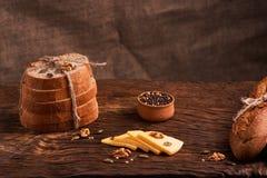 nytt hemlagat för bröd chip Bröd på surdeg Osyrat bröd dietary bröd arkivfoto