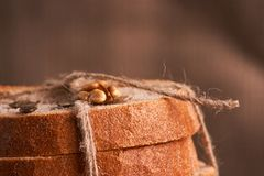 nytt hemlagat för bröd chip Bröd på surdeg Osyrat bröd dietary bröd fotografering för bildbyråer