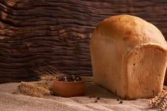 nytt hemlagat för bröd chip Bröd på surdeg Osyrat bröd dietary bröd arkivbilder