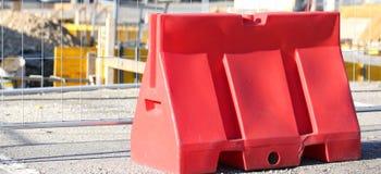 NYTT - Jersey BARRIÄR som avgränsar vägkonstruktionsplatsen Royaltyfri Fotografi