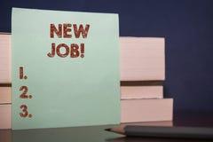 Nytt jobb f?r handskrifttext Begreppsbetydelsen som har betalt för en tid sedan position av vanlig anställning, stänger sig upp t royaltyfria bilder